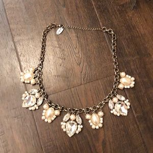 Beautiful crystal/pearl necklace💎